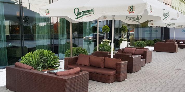 Dodání venkovních sestav nábytku do hotelu